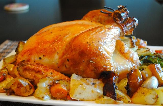 Как приготовить курицу в духовке целиком